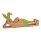 Coniglio sdraiato in legno di mango verde (L / A /